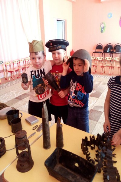 Организация в детском саду Передвижного музея «Боевая слава нашего народа»